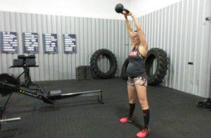 Kettlebell swing voor zwangere vrouwen