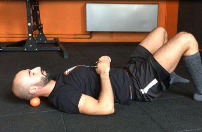 Auto-massage des muscles sous-occipitaux
